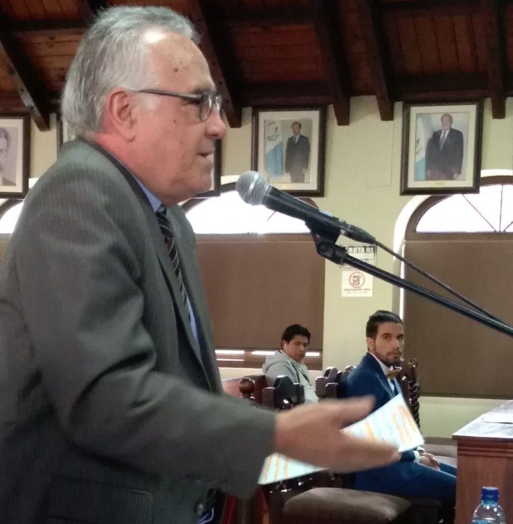 Piden a la Corte de Constitucionalidad un amparo en contra de Jimmy Morales