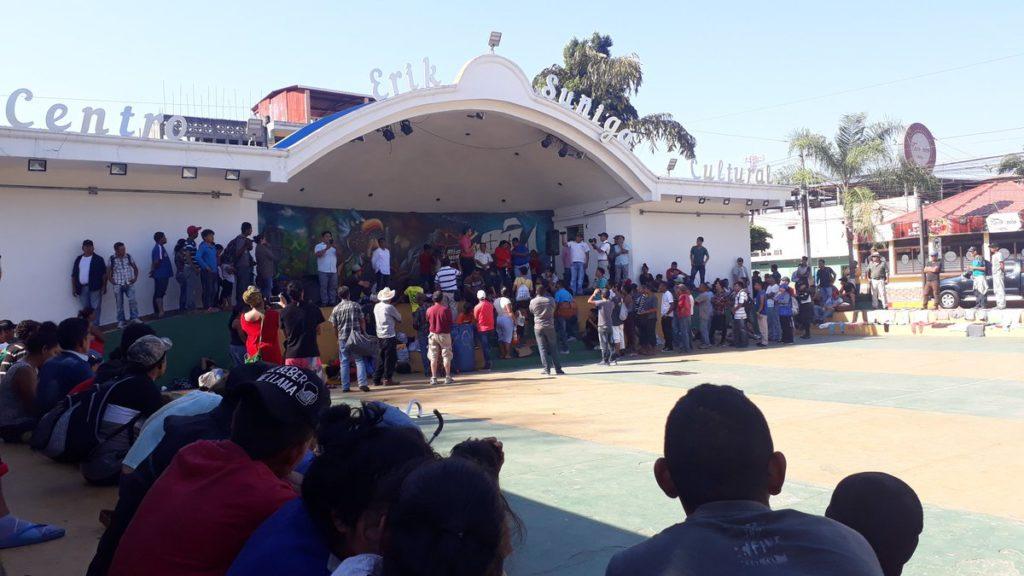 Alcalde de Ayutla San Marcos, solicita a migrantes desalojar el parque