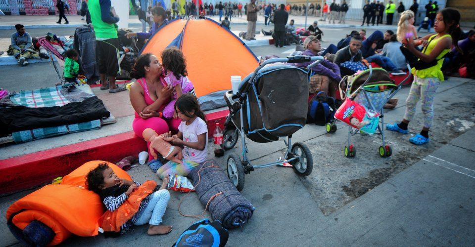 Las mujeres y las migraciones: una mirada a la condición de las mujeres migrantes