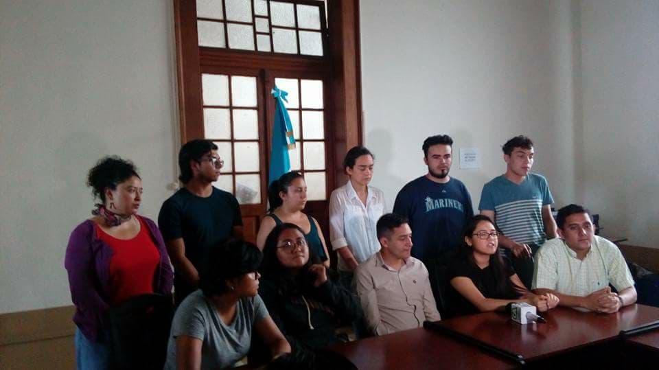 Estudiantes respaldan al Procurador de DDHH