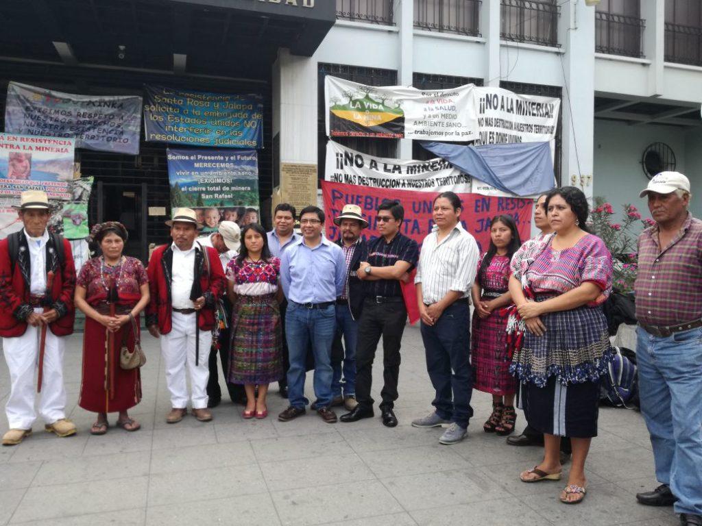Amparo en contra de la iniciativa de ley de consulta a pueblos indígenas