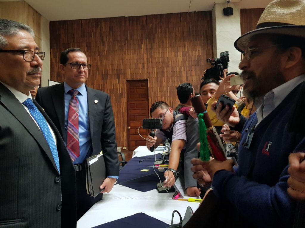 Comisión elige a los 6 candidatos