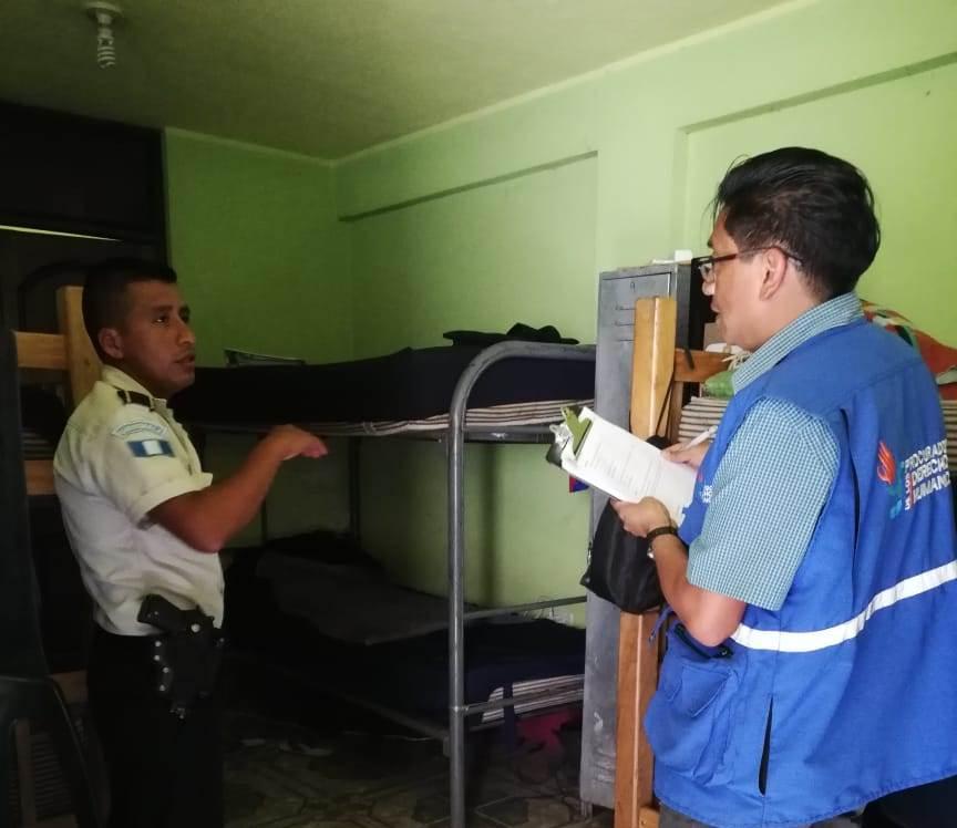 Verifican condiciones de policías