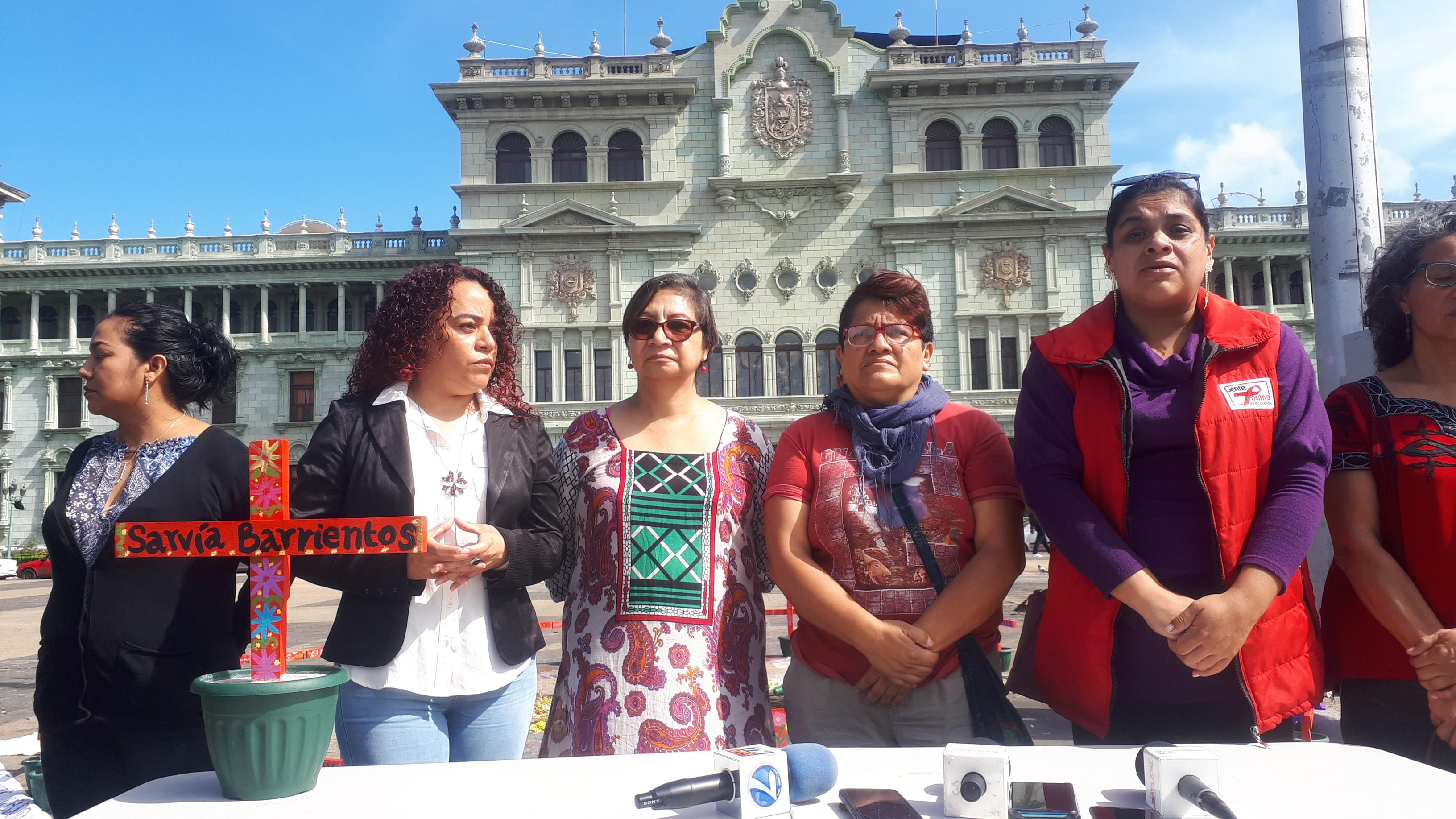 Se oponen a retiro de la Plaza de las Niñas