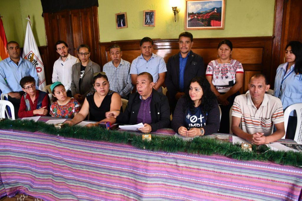 Exhortan a Giammattei a desmilitarizar instituciones del Estado