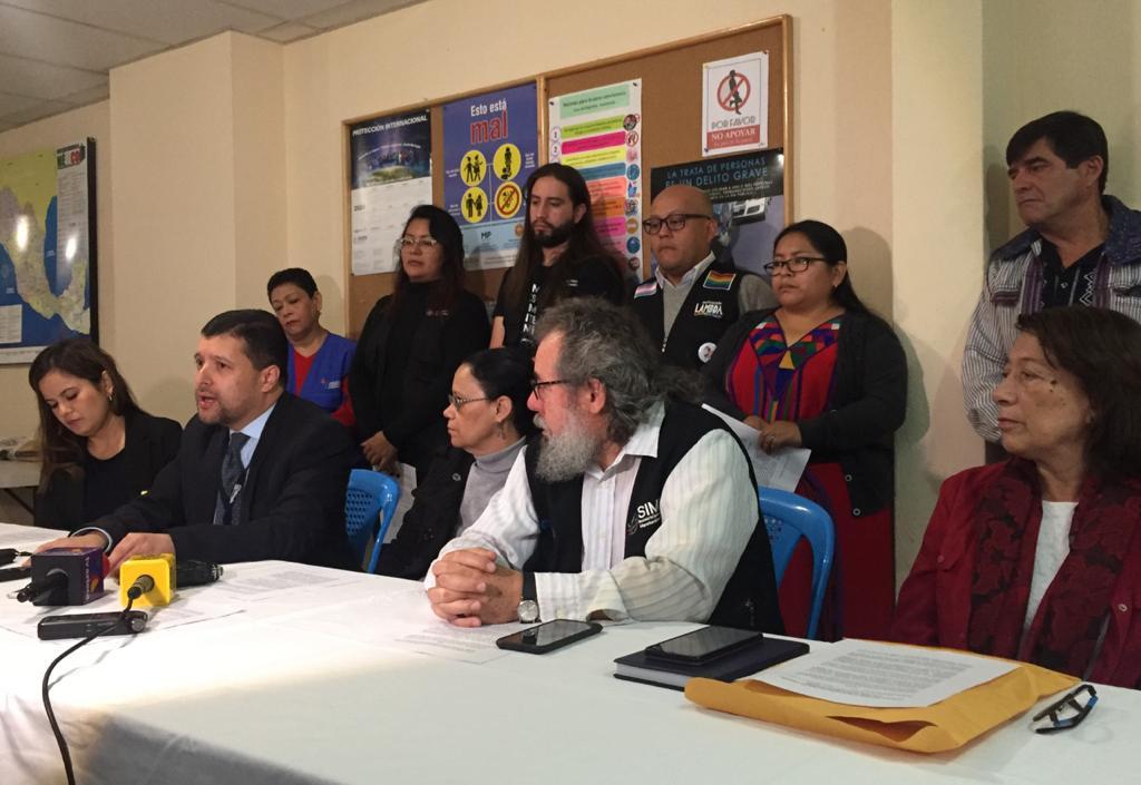 """""""México mostró su cara sucia"""", condenan uso de la fuerza contra migrantes"""
