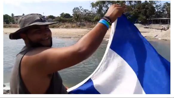 Migrante hondureño: El muro de Trump se vino al río Suchiate