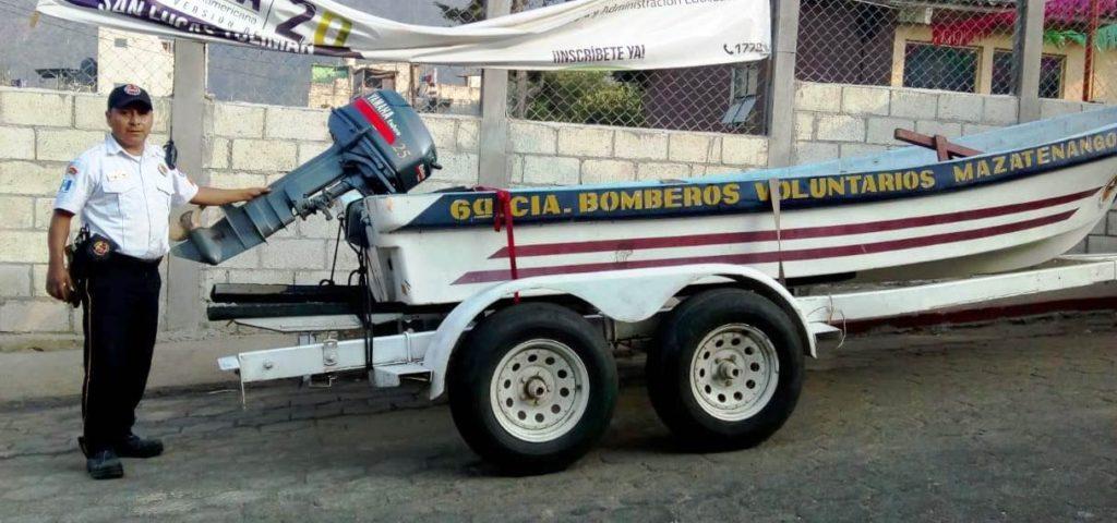 Donan embarcación a bomberos de San Lucas Tolimán