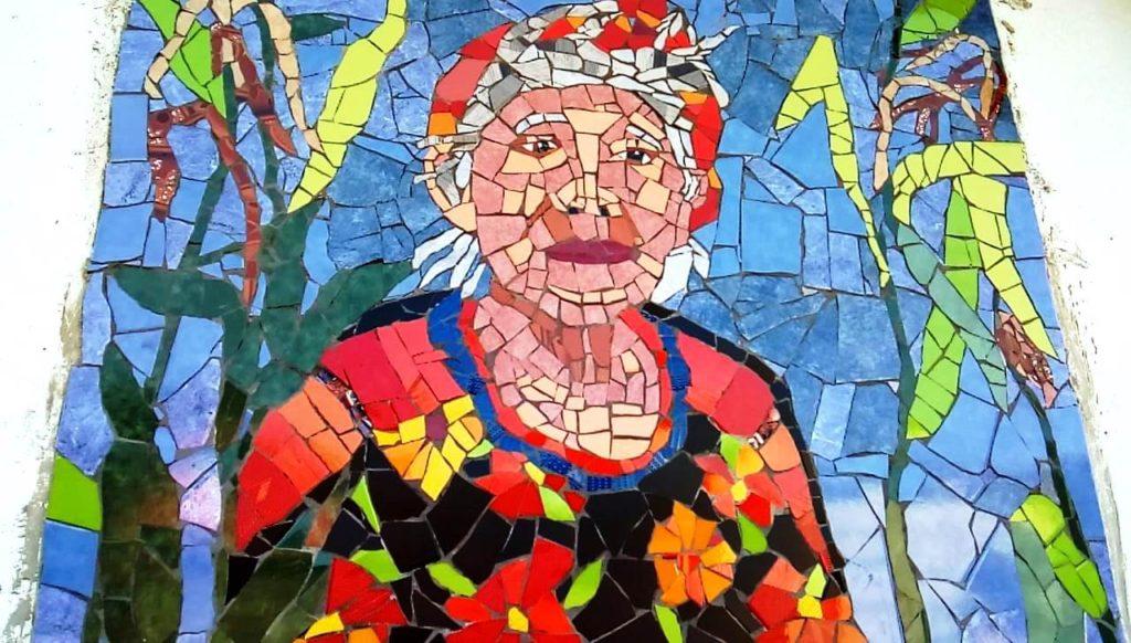 Mosaico de Mujeres