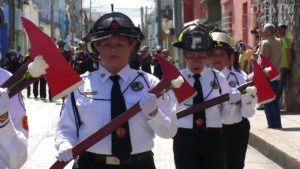 Buscan jóvenes aspirantes a bomberos