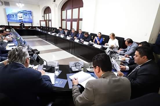 Comisión presidencial no llega a ningún acuerdo en su primera reunión