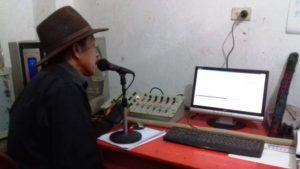 Radio Kab'tzin lanza su señal de internet