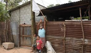 Familias de San Juan Comalapa piden ayuda