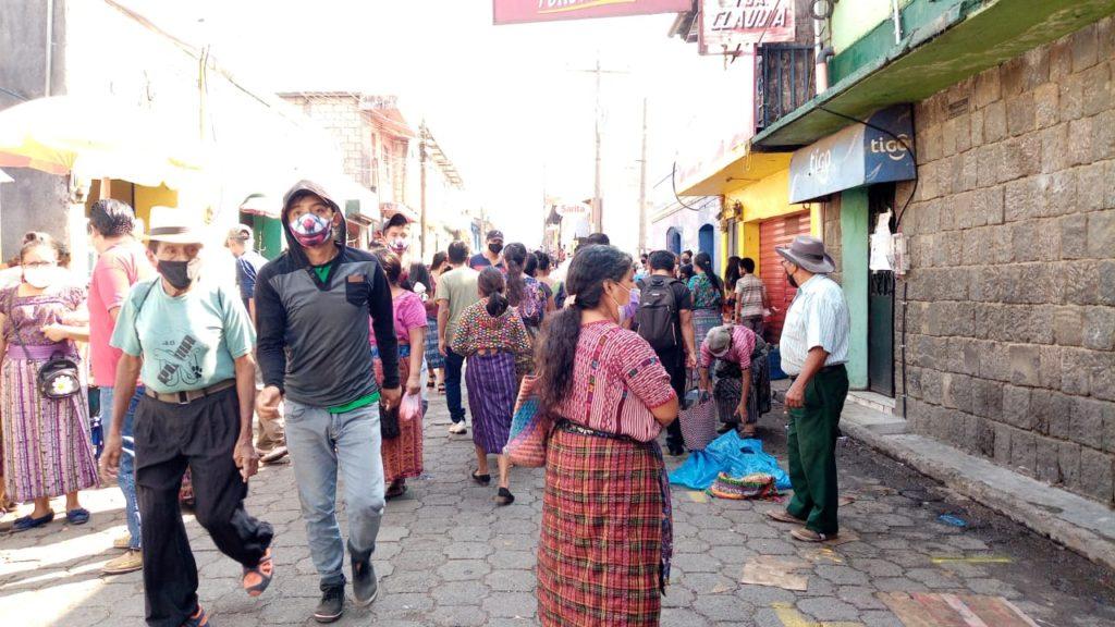 Descontrol en mercado municipal de San Lucas Tolimán
